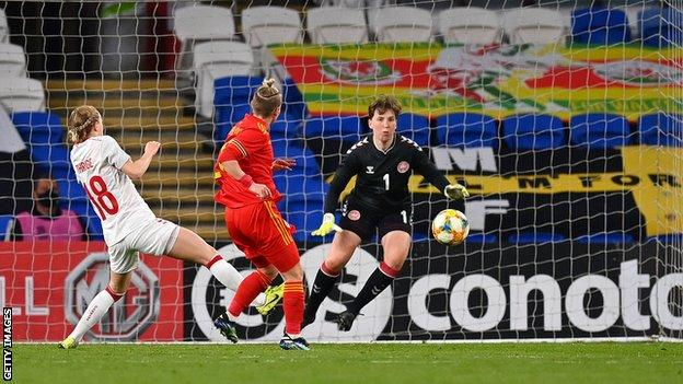 Jess Fishlock goal