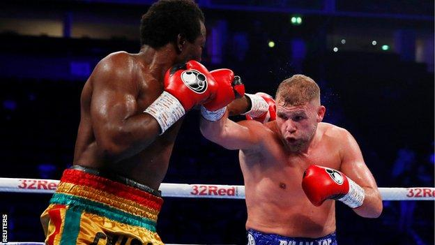 Saunders forced his opponent into a retirement after four rounds