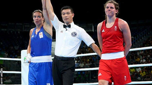 Britain's Savannah Marshall (right) lost out to Dutch fighter Nouchka Fontijn at Rio 2016