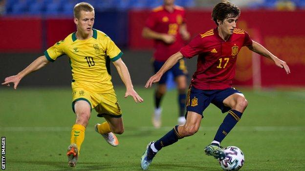 Bryan Gil against Lithuania
