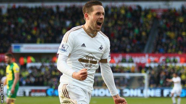 Gylfi Sigurdsson celebrates his goal against Norwich