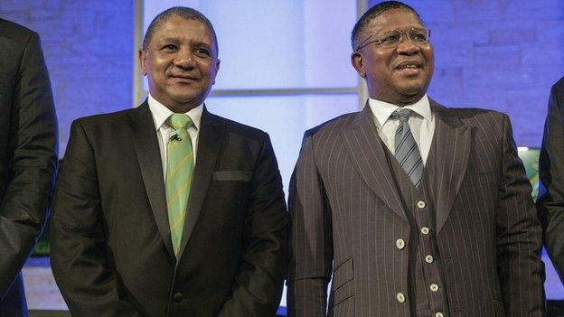 Allister Coetzee and South African minister for Sport and Culture Fikile Mbalula