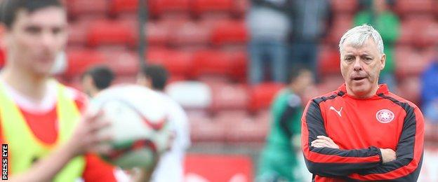 Mal Donaghy has been recruited as assistant to Cliftonville caretaker manager Gerard Lyttle