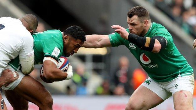 Cian Healy ready to move in after Bundee Aki is tackled in Sunday's defeat by England