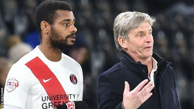 Charlton's Ricardo Vaz Te with manager Jose Riga