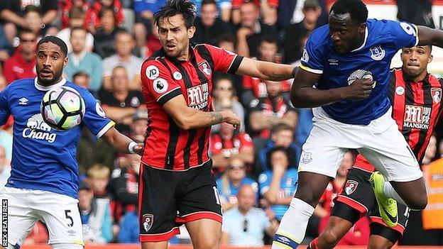 Everton's Romelu Lukaku heads at goal against Bournemouth