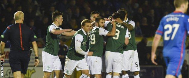 Hibs celebrate going into a 2-0 lead