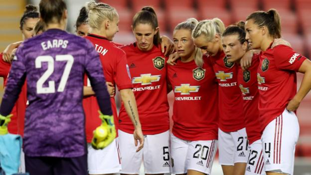 Manchester United Women: Songbooks and 'Barmy Army' increase Ladies's Super League thumbnail