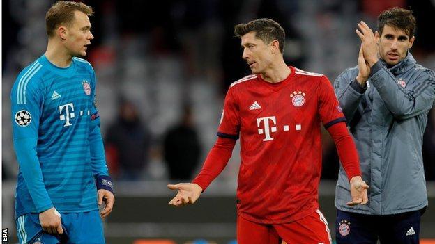 Manuel Neuer (left) and Robert Lewandowski