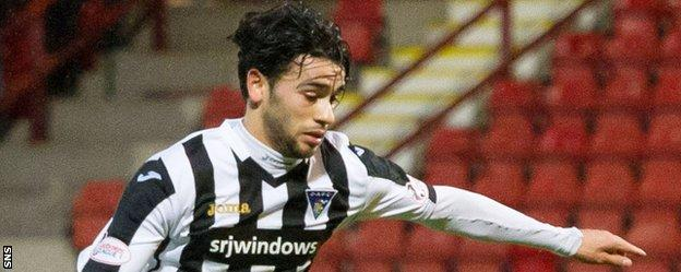 Faissal El Bakhtaoui in action for Dunfermline