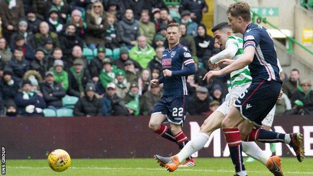 Tom Rogic shoots home Celtic's third goal against 10-man County