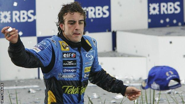 Alonso celebrates winning world title with Renault in 2005