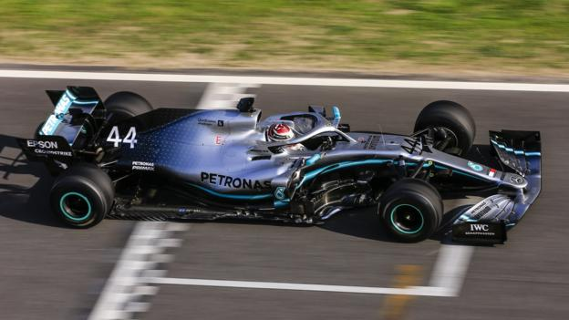 F1 to award point to driver who sets fastest lap in a grand prix thumbnail