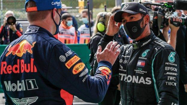 Max Verstappen memberi selamat kepada Lewis Hamilton di Grand Prix Belgia