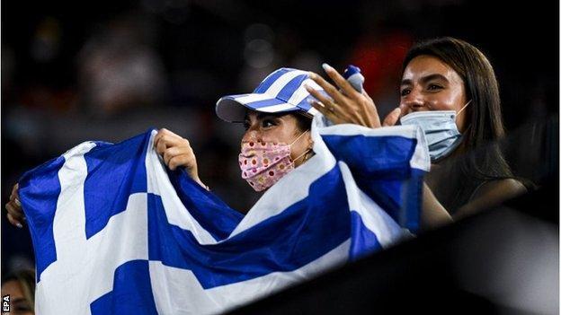 Greek fans cheer on Stefanos Tsitsipas