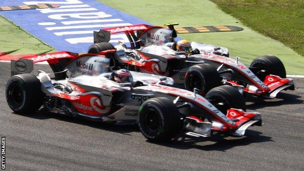 F1 drivers Fernando Alonso and Lewis Hamilton