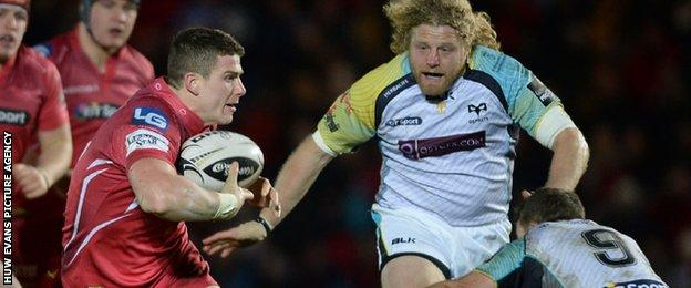 Scott Williams in action for Scarlets