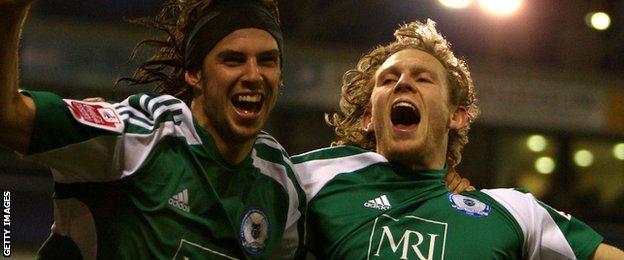 George Boyd (left) and Craig Mackail-Smith celebrate