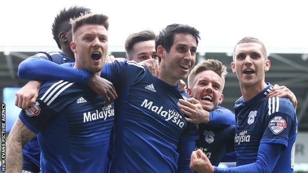 Cardiff City celebrate Peter Whittingham's winning goal against Bolton