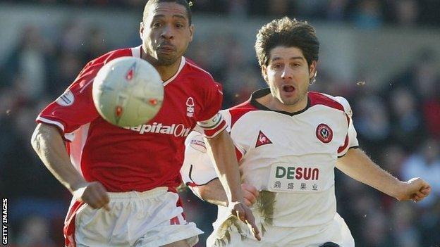Des Walker (left) in action for Nottingham Forest