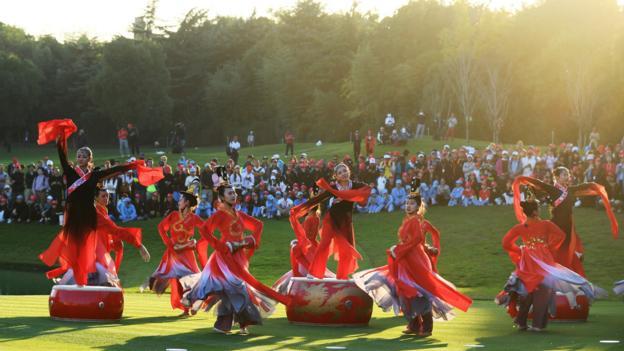Dancers at HSBC Champions tournament
