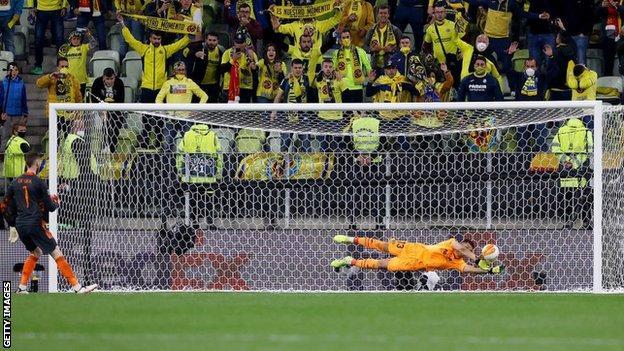 David de Gea's penalty is saved