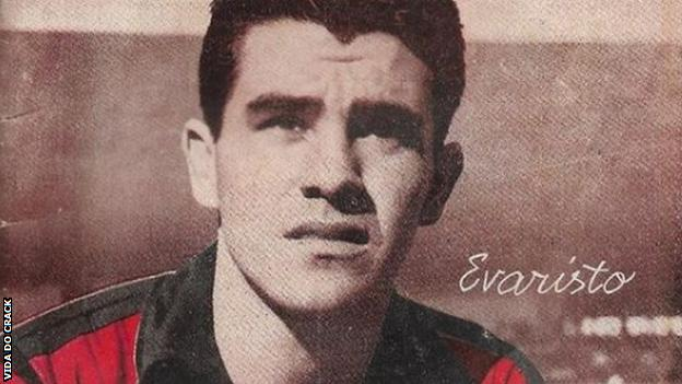 Evaristo, pictured as a Flamengo player in the 1950s