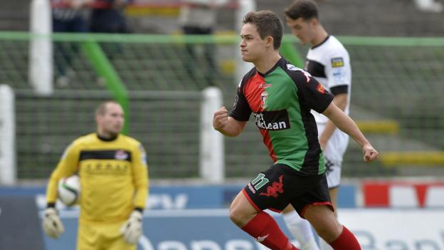 Jordan Stewart scores for Glentoran in a 2-2 draw at the Oval which leaves the Crues with just one point from two games