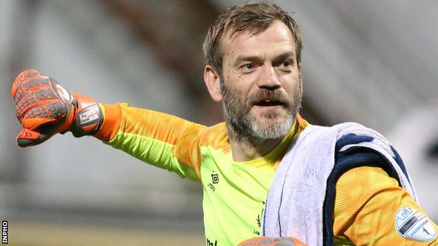 Roy Carroll joined the Windsor Park club in 2016