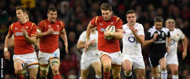 Dan Biggar heads downfield after intercepting a Ben Youngs pass