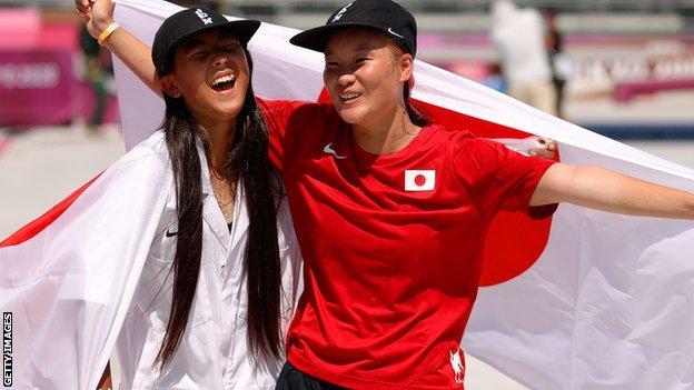 Tokyo Olympics: Yosozumi and 12-year-old Hiraki win gold and silver thumbnail