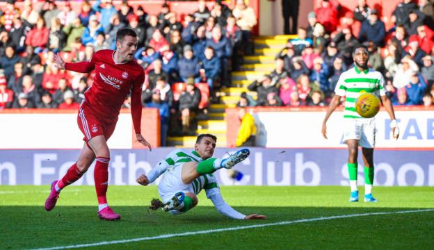 Mohamed Elyounoussi impressed on loan at Celtic last season
