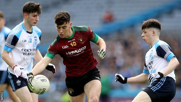 St Ronan's Oisin Smyth attempts to go on a run in the final at Croke Park