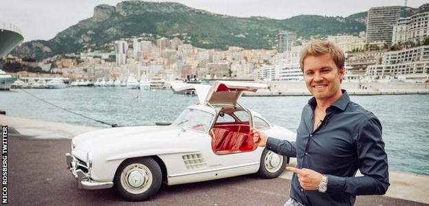Nico Rosberg and his Mercedes-Benz 300SL on Twitter