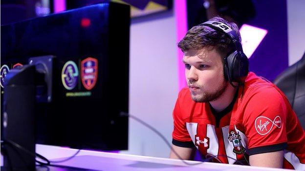 Owen 'Venny' Venn competing for Southampton