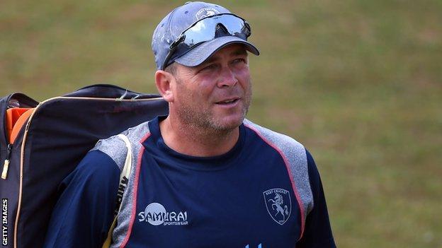 Kent head coach Matt Walker