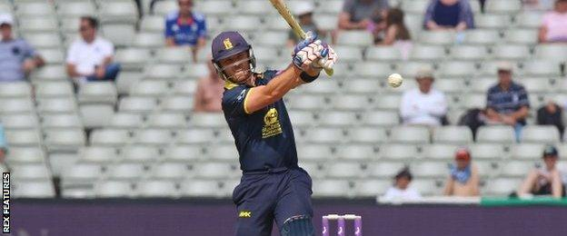 Laurie Evans has also been a big player for the Bears, making an unbeaten 48 against Yorkshire before a fine 70 not out against Essex in the quarter-final