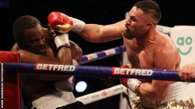 Parker survives first-round knockdown to beat Chisora by split decision thumbnail
