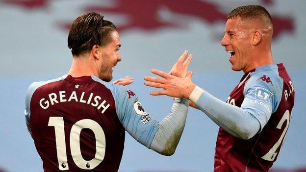 Aston Villa'dan Jack Grealish ve Ross Barkley