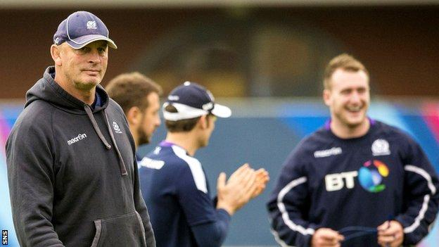 Vern Cotter looks on during Scotland's training session