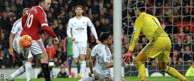 Wayne Rooney scores against Swansea