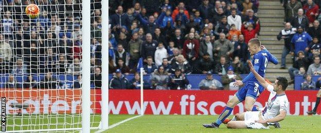 Jamie Vardy scores against Crystal Palace