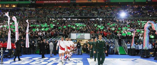 England and South Africa walk out before the 2007 World Cup final
