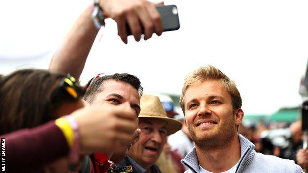 Nico Rosberg with a fan