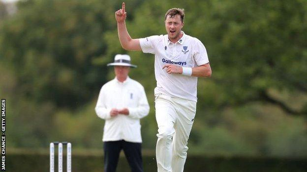 sports Sussex's England hopeful Ollie Robinson struck three times in nine balls at Radlett to reduce Middlesex to 9-3