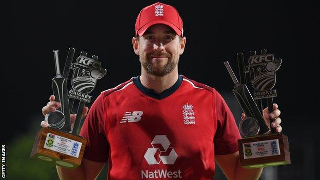 Dawid Malan with the man of the match and man of the series award