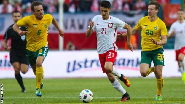 Poland midfielder Bartosz Kapustka