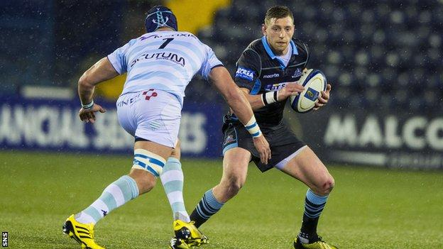 Finn Russell playing against Racing 92
