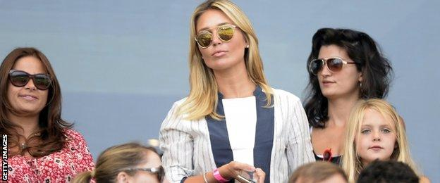 Steven Gerrard's wife, Alex Curran, and their daughters are enjoying life in LA, according to Arena