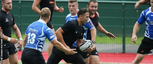 Gavin Henson in training with the Dragons